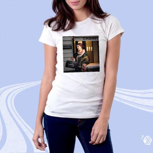 """Женская футболка с принтом """"По магазинам"""""""