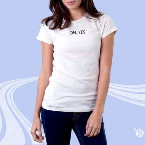 """Женская футболка с надписью """"ОН, Yes"""""""
