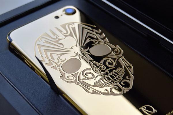 Гравировка лазером по металлу на металлическом чехле для телефона